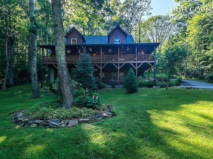 Cabin Cove- Between Sugar and Beech Mtns, game tables, fire pit, yard