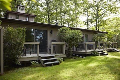 Treehouse on Madeline Island 2A
