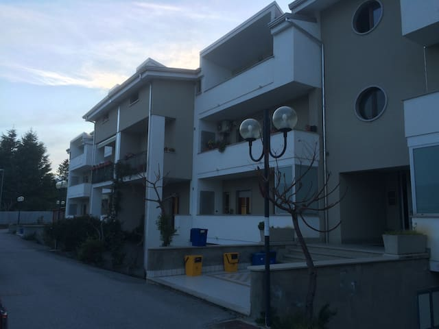 Accogliente appartamento - Villa D'agri - Apartamento
