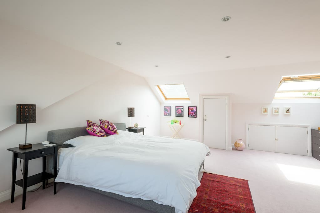 Super King sized Bedroom with ensuite bathroom and walk in wardrobe