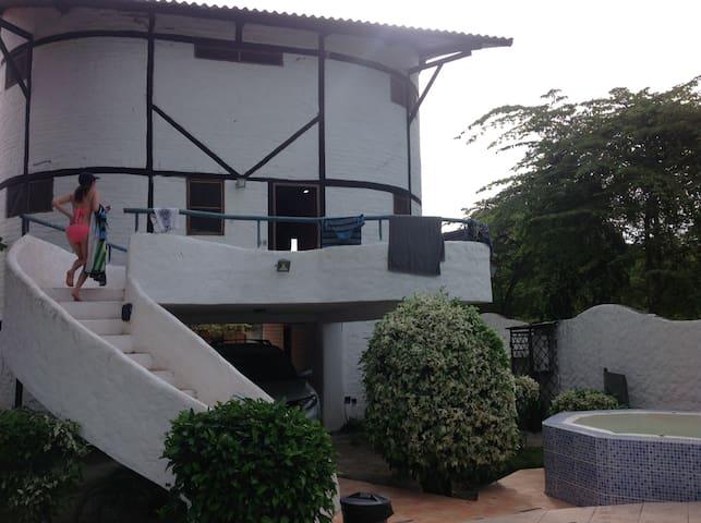 Casa amplia y cómoda para pasar en familia. Playa Same