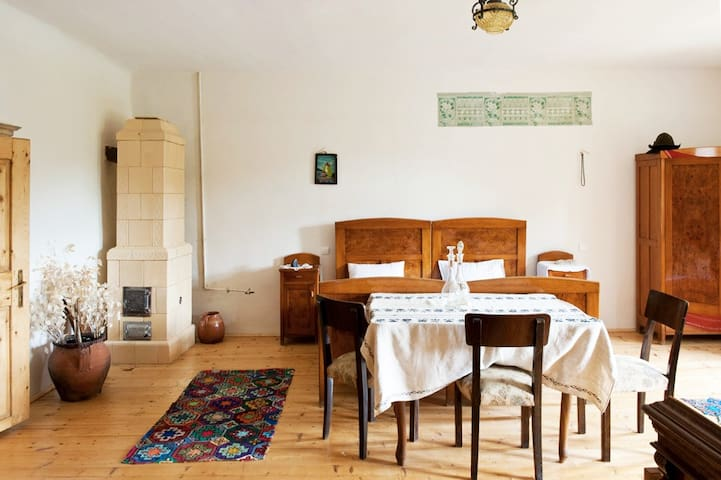 Bohemian Queen Size Room - authentic Saxon house