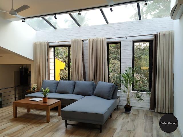 Modern 2BR Skylit Penthouse w/ open terrace