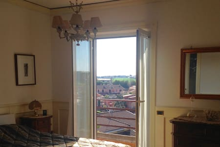 Camera in villa a pochi passi da Roma - Colleverde II - Villa