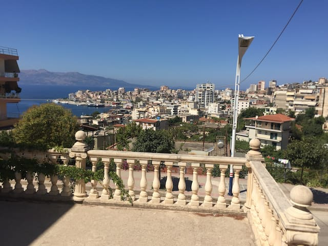 Single Private Room inside Vila in Saranda - Sarandë - บ้าน