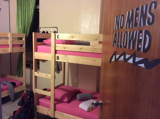 1 Bed in 4-bed Female Dormitory in Mersing Town - Mersing