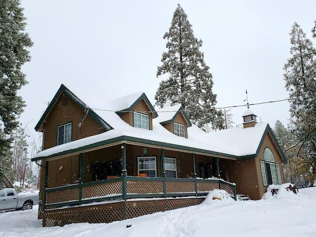 Super comfy  Mountain Home - EV Friendly