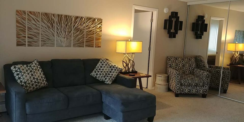 2 bedroom City Living! (104)