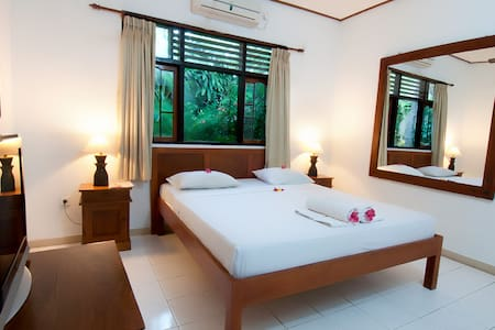 Rooms With Pool And Tropical Garden