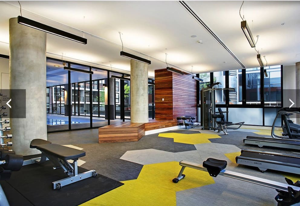 Modern apt gym pool km to cbd apartments for rent