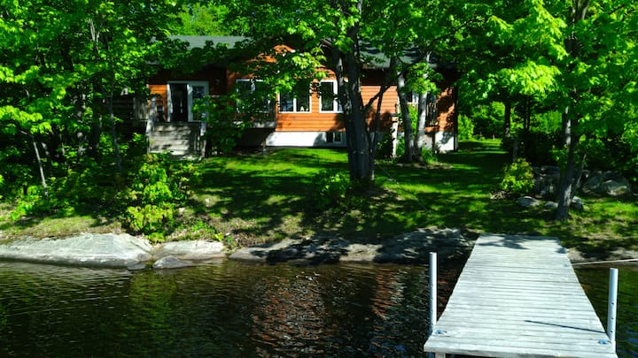 Lakefront cottage in beautiful secluded location.