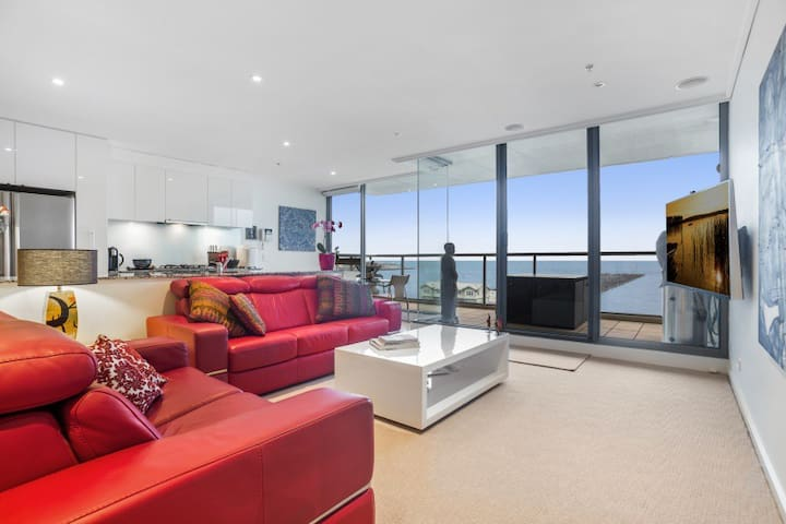 Stunning Apartment Beach Frontage, 10 min to CBD - Port Melbourne - Apartamento