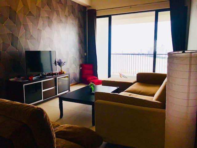 Sunrise Seaview 3BR Luxury Suites w/ Balcony★