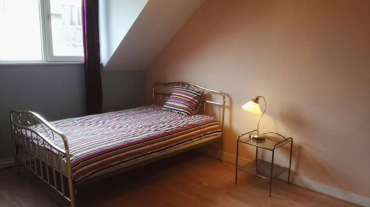 Tours & Taxis, Cozy quiet large single room, RP3-1