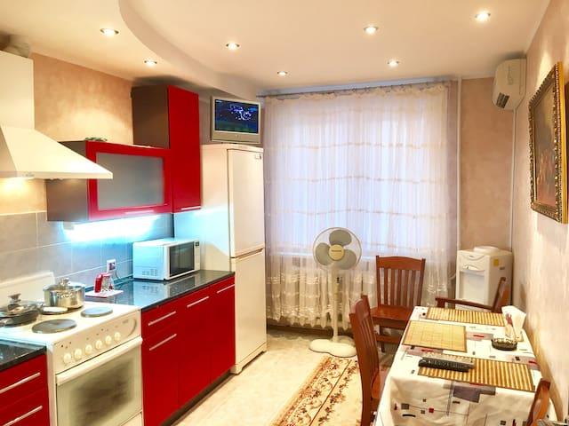 Квартира комфортная со всеми удобсв - Тула - อพาร์ทเมนท์