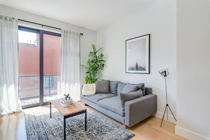 Stylish Private Room + Bath in the Heart of LES
