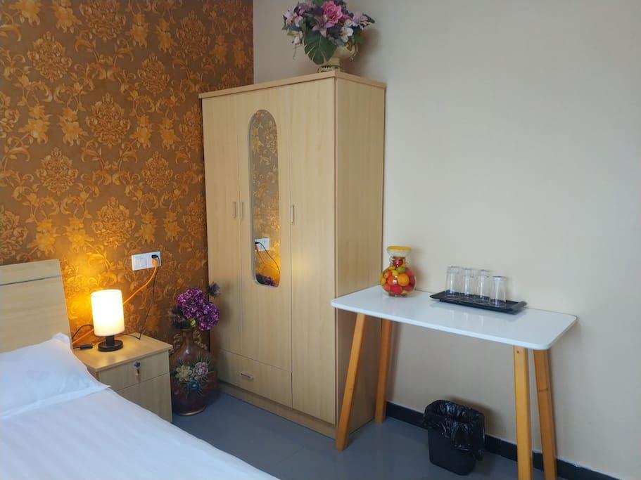 配备齐全,风情浪漫的卧室