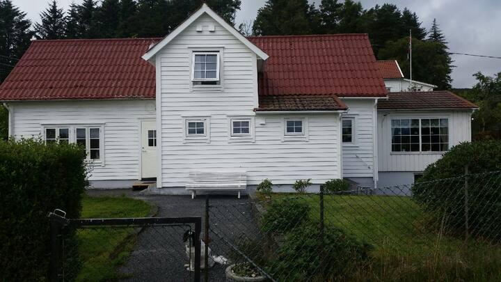 Gårdshus i Austevoll