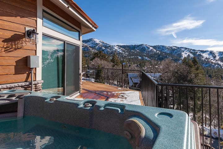 8 to 10 person jacuzzi with one of the most amazing views in Big Bear? You got it!