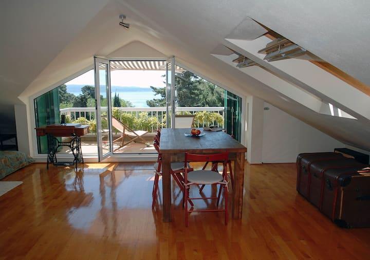 Island view loft studio near beach
