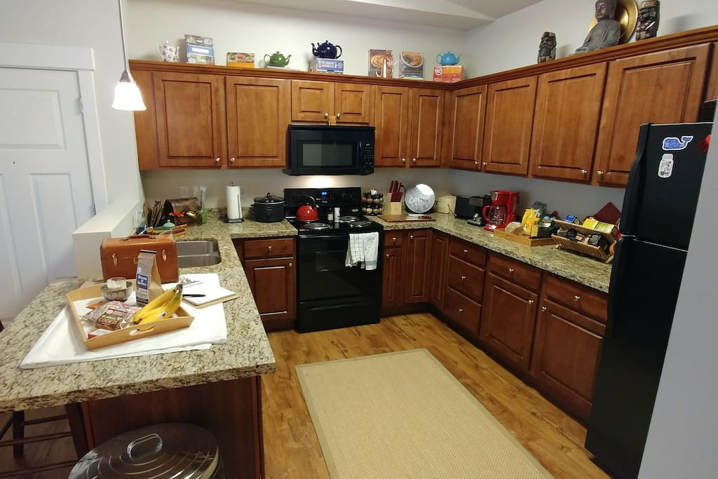 guests have full access to a coffee bar and kitchen