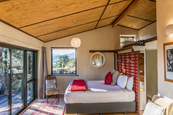Rock Mountain Chalet.Privacy with stunning  views!