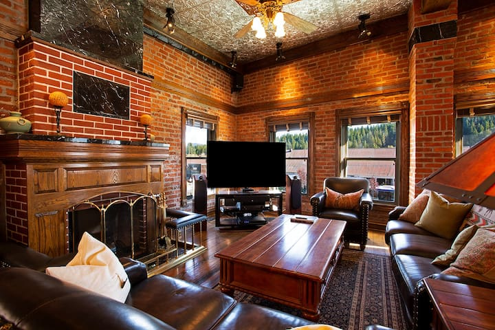Stunning Living Room with fireplace and media center