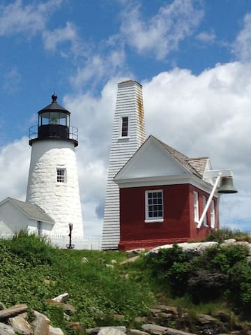 Pemaquid Point Lighthouse is just 1 mile from the house.