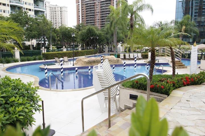Pineapples- Barra Premium: Modern flat Barra da Tijuca (twin)