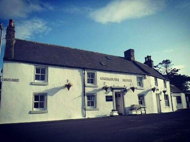 Garmouth Hotel - Speyside Village Pub. Family Room - Garmouth - Bed & Breakfast