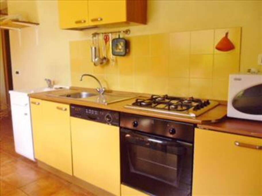 cucina e pilozzo-lavatoio