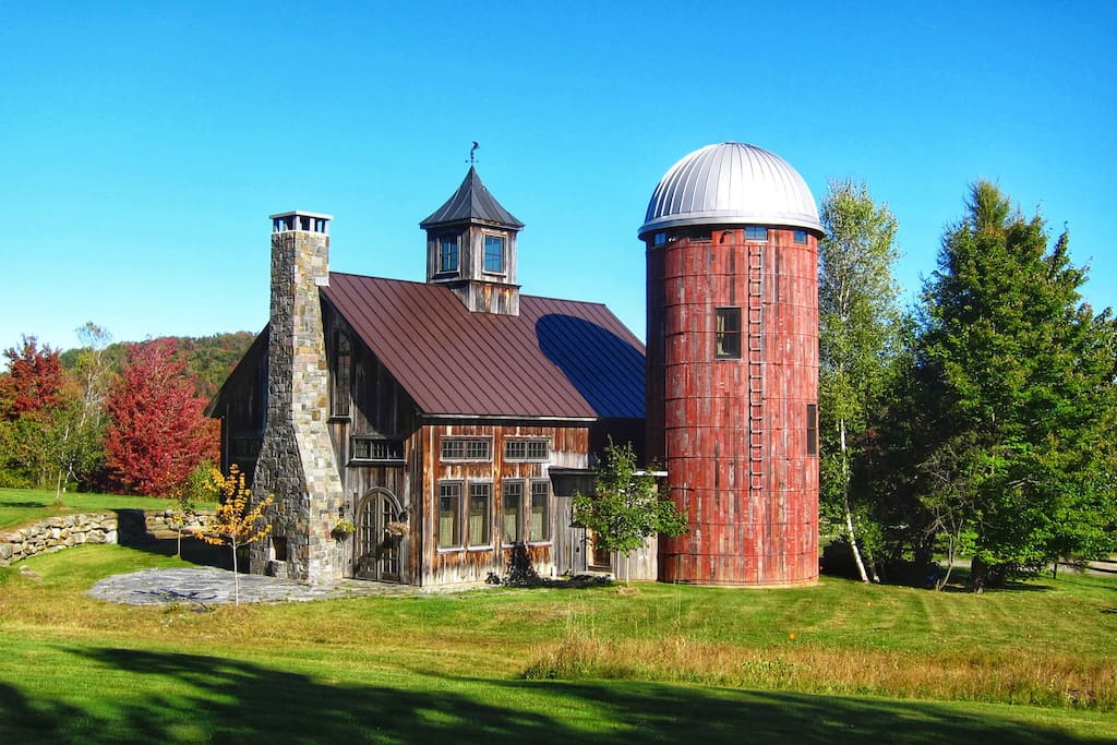 Barn & Silo home nestled in the Green Mountains of Vermont.