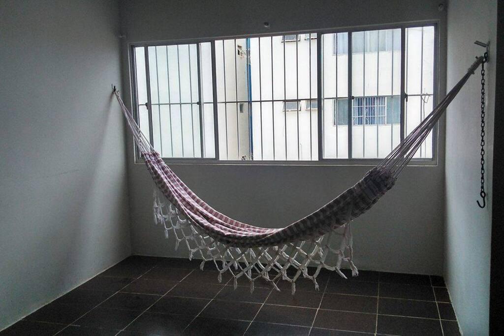 Sala bem ventilada e aconchegante!