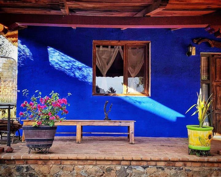 Hacienda Porumbo. Casita azul. 2 habitaciones.