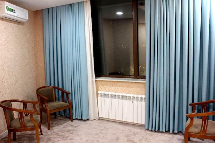 A private room in the city center *Free Transfer*