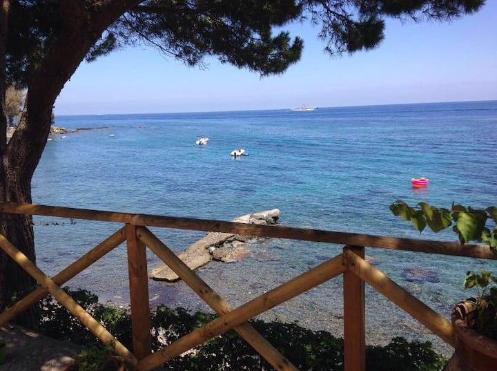 Villa sul mare con accesso privato spiaggia