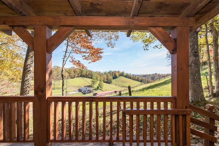 Hot Tub & WiFi - Small Family Cabin - Sunrise - Red River Gorge, KY!