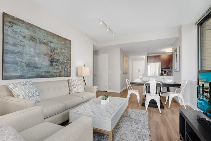 Spacious 2BR | Work Desk + W/D| Jersey City by GLS