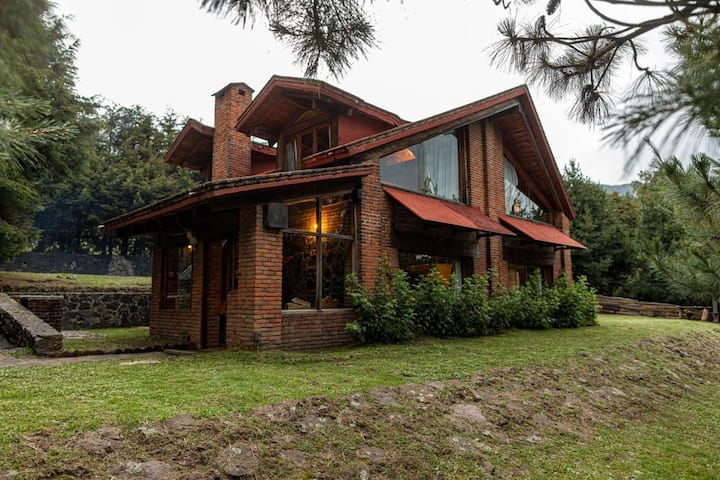 Casa de campo con vista a la Cd. Mx