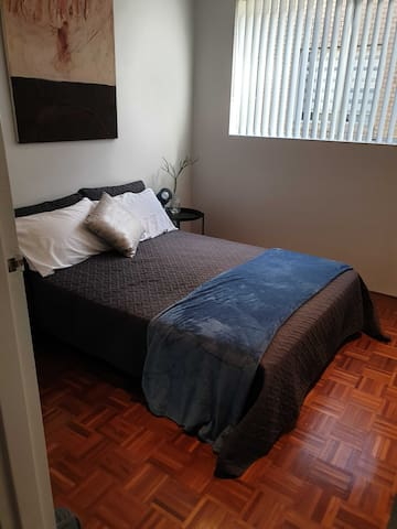 Comfortable double room in heart of the Inner West