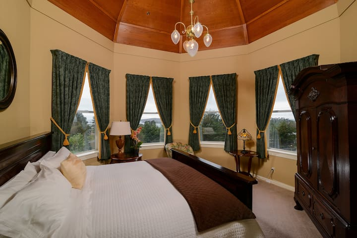 Luxurious and Romantic Suite in 5* B&B - Bodega Bay - Bed & Breakfast