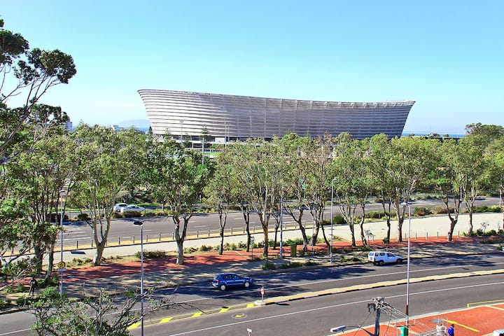 Large Studio opposite Cape Town Stadium
