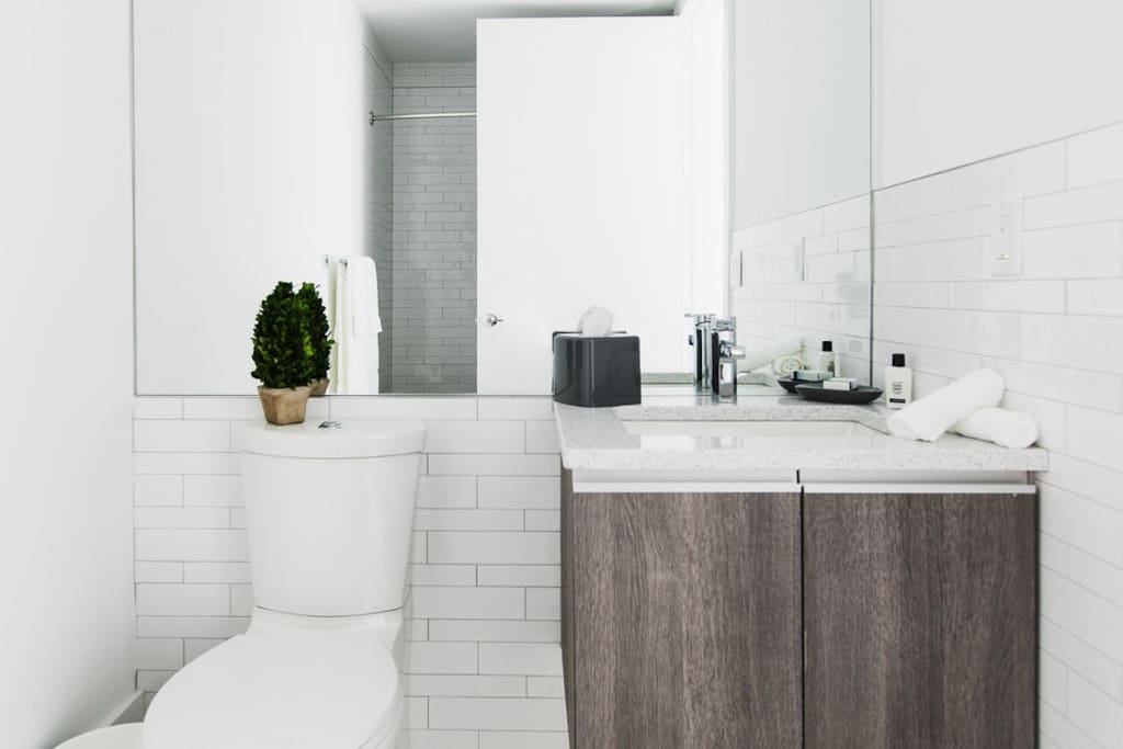 Studio Apartment Bathroom With Clean Lines For a Brighter and Lighter Space