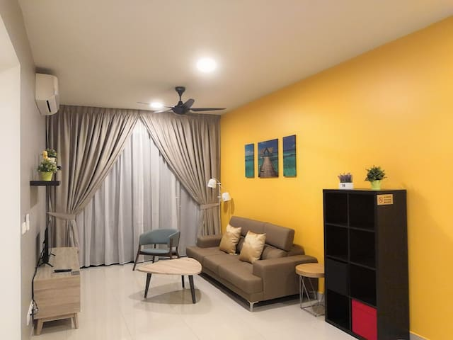 New 3+1BR Cozy Stay Wifi @Lakepark Residence (LP3)