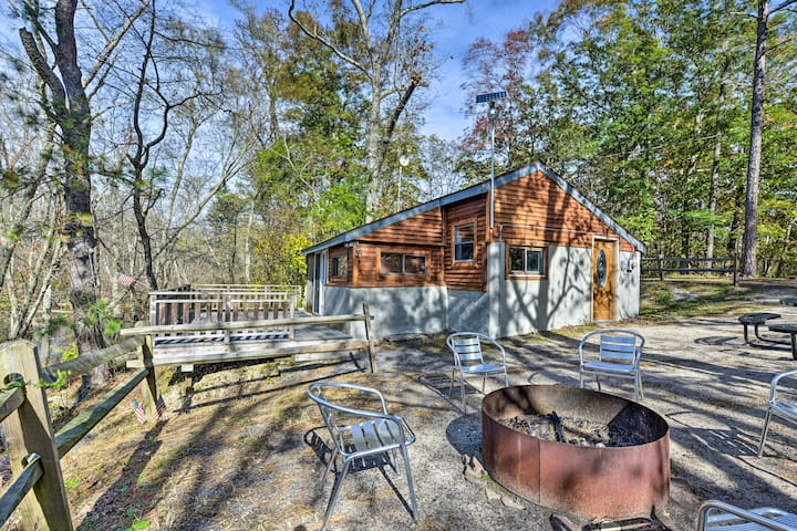 NEW! Mays Landing Riverfront Cabin w/Deck + Grill!