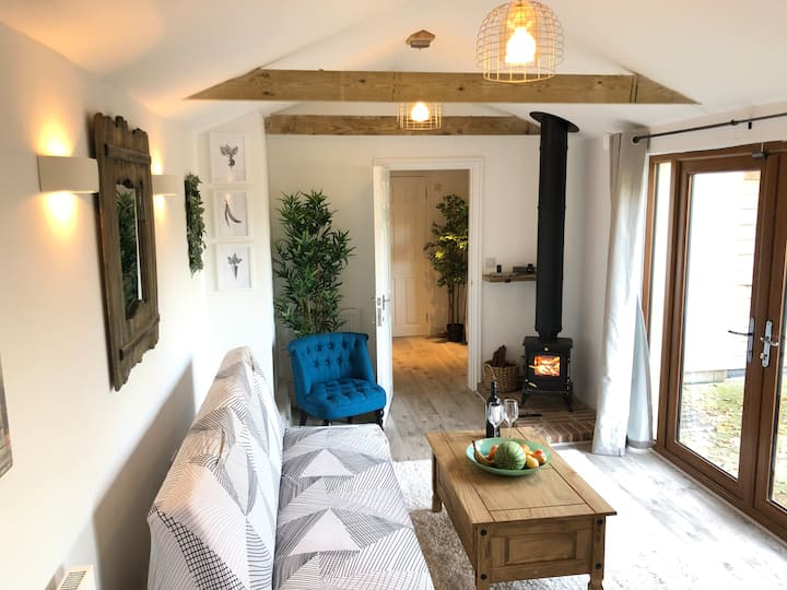 Brand New, Luxury converted Stables in rural Kent