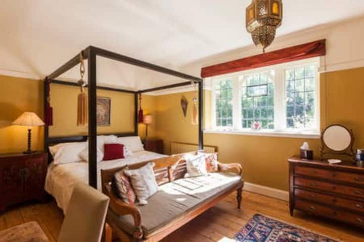 Framley Court -  Moroccan Room