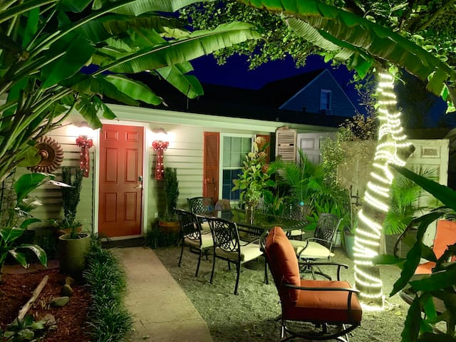 Enchanted Bywater Hideaway!!