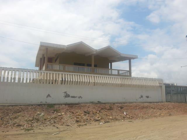 se renta o se vende casa - Crucita-Los Arenales