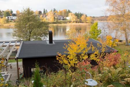 Unikt hus vid sjön Drevviken, vid vattnet 4 gäster - Haninge